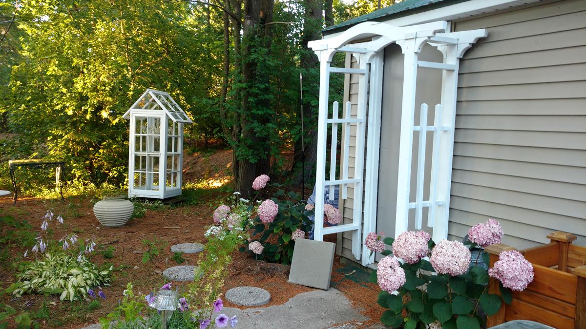 Cottage Garden Ambiance